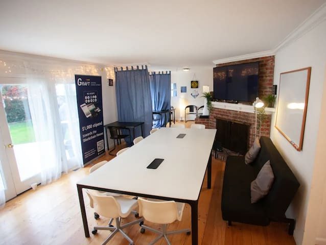 Stanford Startup House - Shared Room