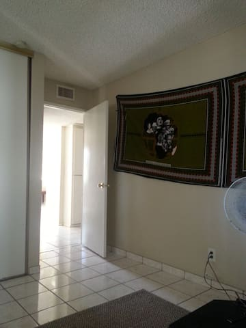 Bright room with AC - Oceanside - House