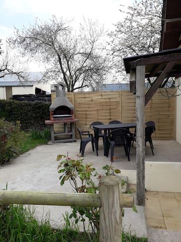 coin terrasse avec barbecue