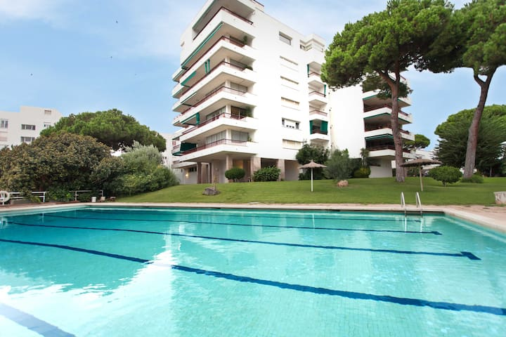 Amazing flat in front of the beach+parking