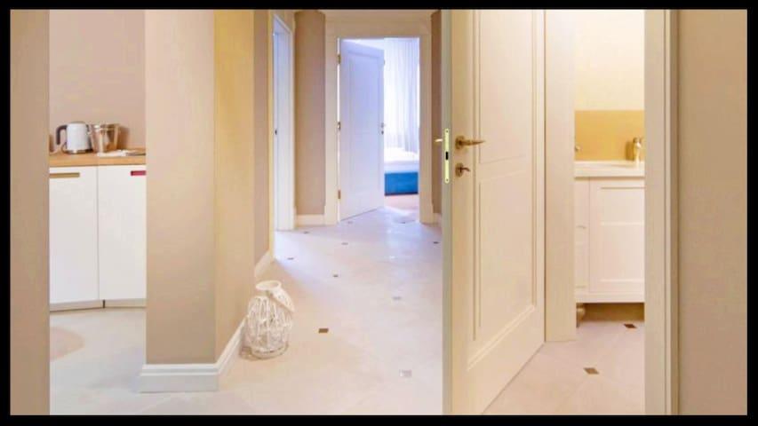 A11 Apartments & SPA Dermique 11