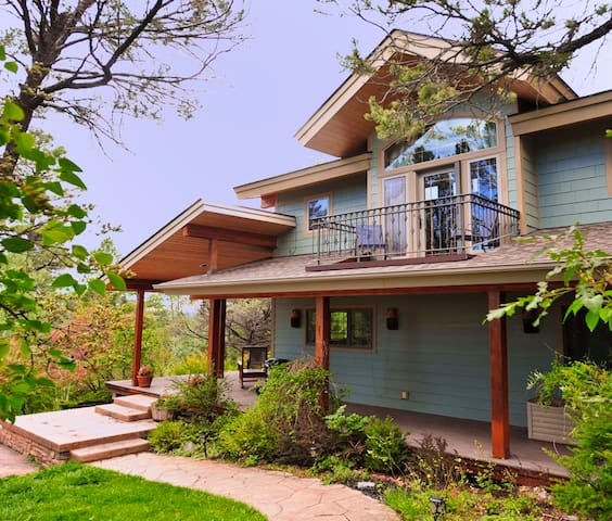 Beautiful, upscale home in secluded location - Durango