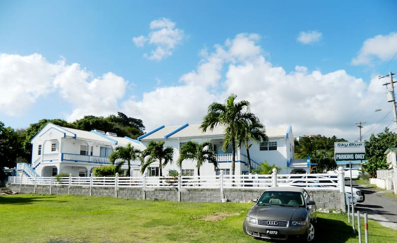 SkyBlue Beach Apartments - Kingstown - Leilighet