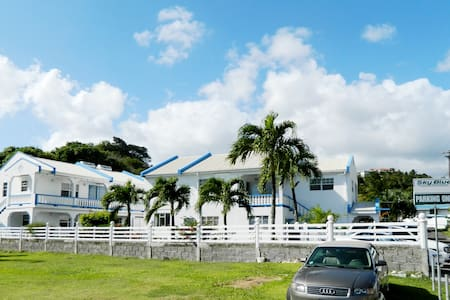 SkyBlue Beach Apartments - Kingstown - Appartement