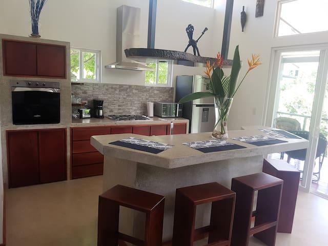 Casa Isani, Tamarindo