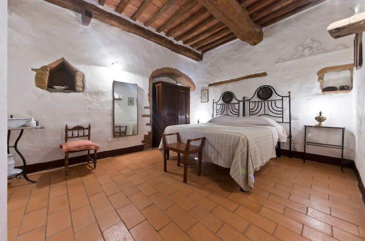 la Stalla between Siena and Grosset - Pari