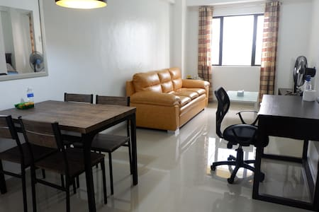 Cozy 1br unit with Wi-Fi at the heart of BGC