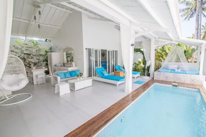 Private villa- 2 rooms-lounge-pool-near the beach