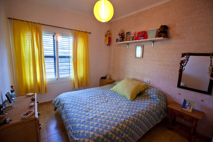 Bright room in front of the beach - Ibiza - Byt