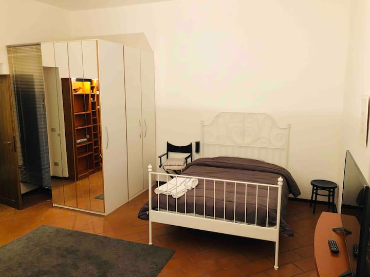 Cozy home, excellent position (heart of Bologna) 2