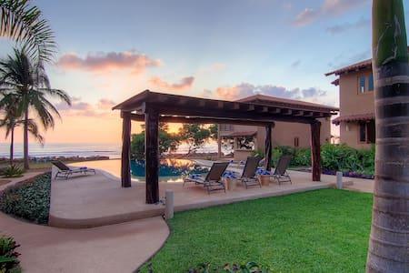 Stunning Beachfront 3BR/2BA Villa - Troncones - Villa