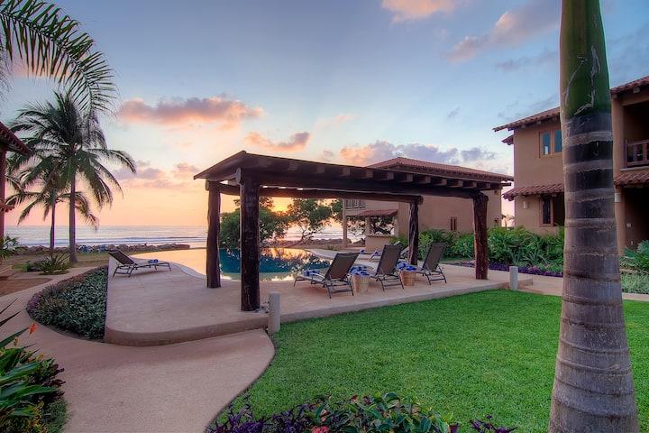 Stunning Beachfront 3BR/2BA Villa
