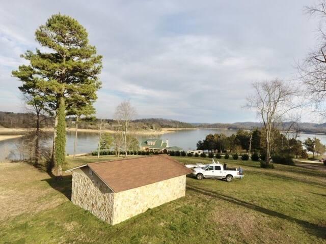 Tiny Home Lakefront Bunkhouse Cherokee Lake Dock