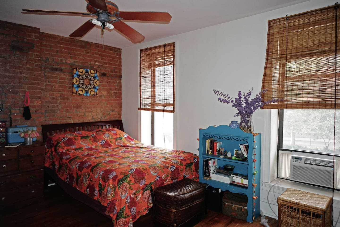 Fully furnished spacious room
