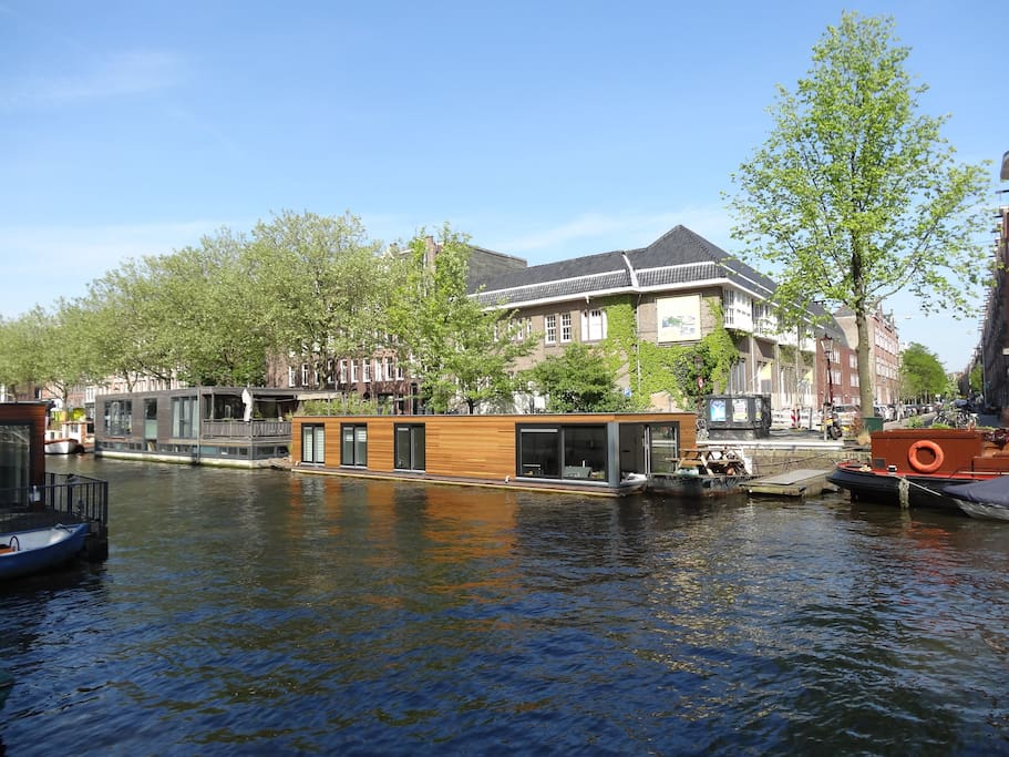 The houseboat that the apartment is on!