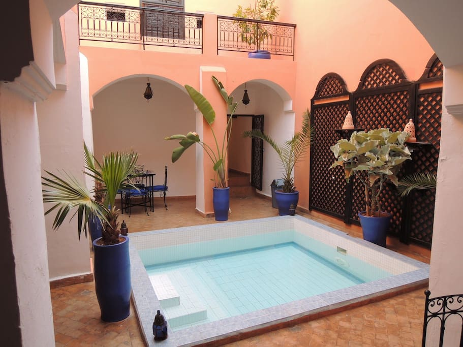 Riad lilas piscine m dina marrakech chb triple bed for Riad piscine privee marrakech