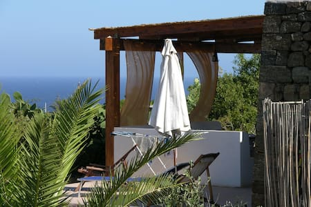 Dammuso Pantelleria Vista Mare Quiete e Tramonti - Pantelleria - House