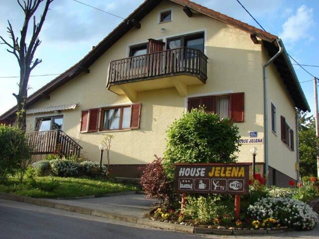 House Jelena - room - private bath - Rakovica - Casa