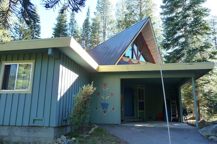 Squaw Valley 2BR + loft 2 1/2 bath