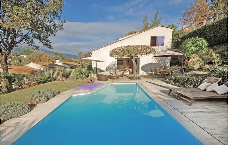 Semi-Detached with 3 bedrooms on 110m² in Le Rouret