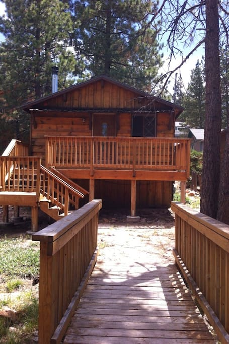 Charming cozy cabin near the lake cabins for rent in big for Cabins for rent in big bear lake ca