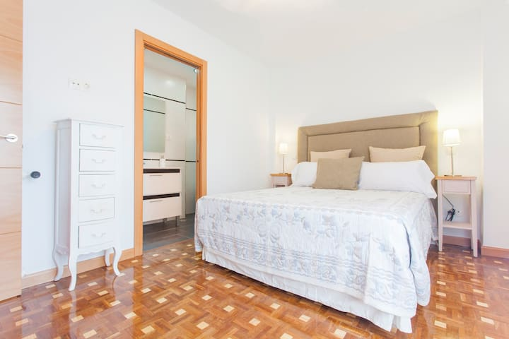 Great refurbish apartment for vacations - Madri - Apartamento