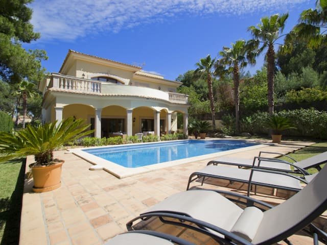 Charming villa with big pool - Santa Ponsa