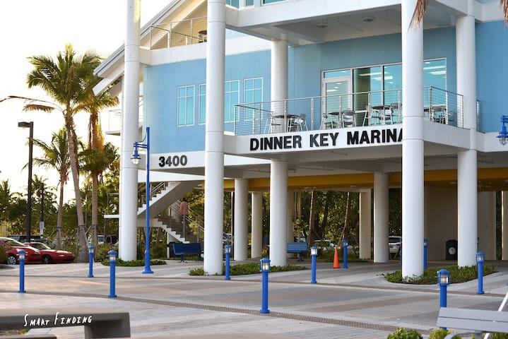 Dinner key marina within walking distance