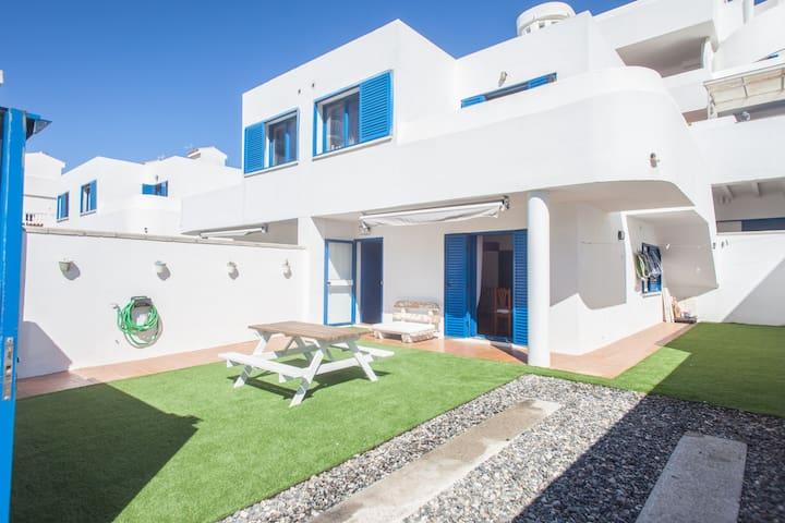 ★ Tarifa Cozy House ★ Beach |Garden |Parking |Pets