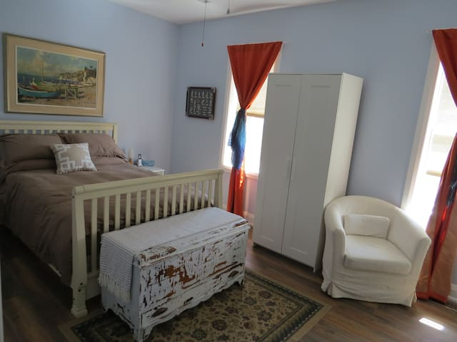 Room in Century home with Private Ensuite