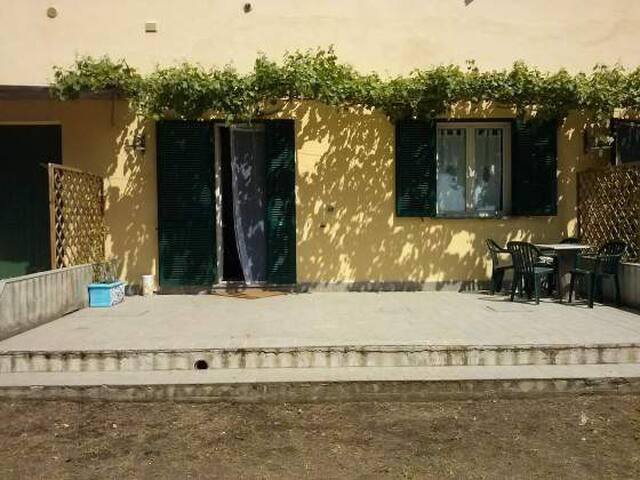 in the countryside, 7 km from sea - Castiglione della Pescaia - Szoba reggelivel