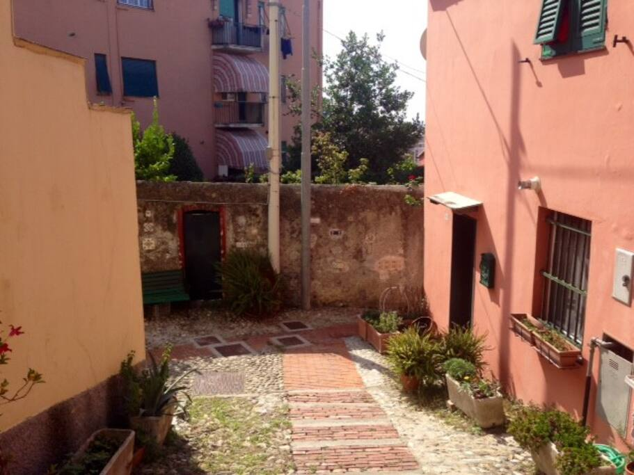 Complete and independent house for rent in Genoa - Sturla