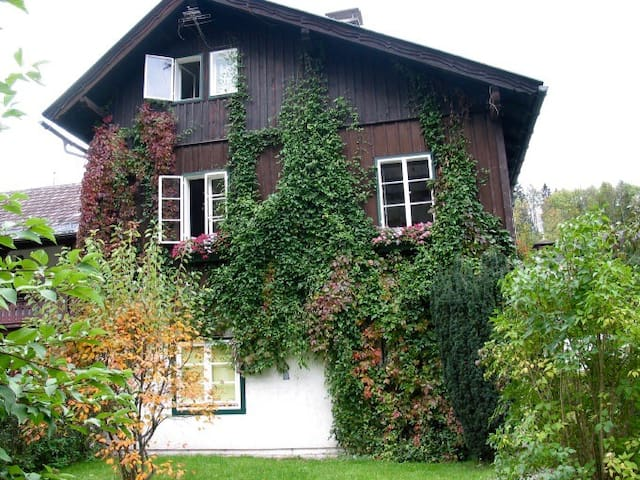 Old house in Bad Aussee - Gardenappartment