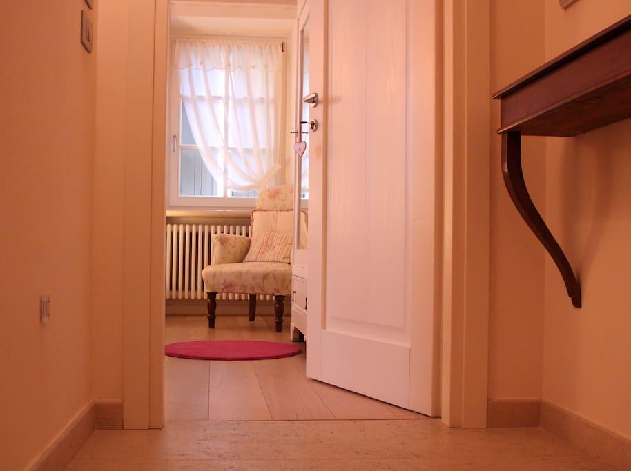 L'ingresso alla camera