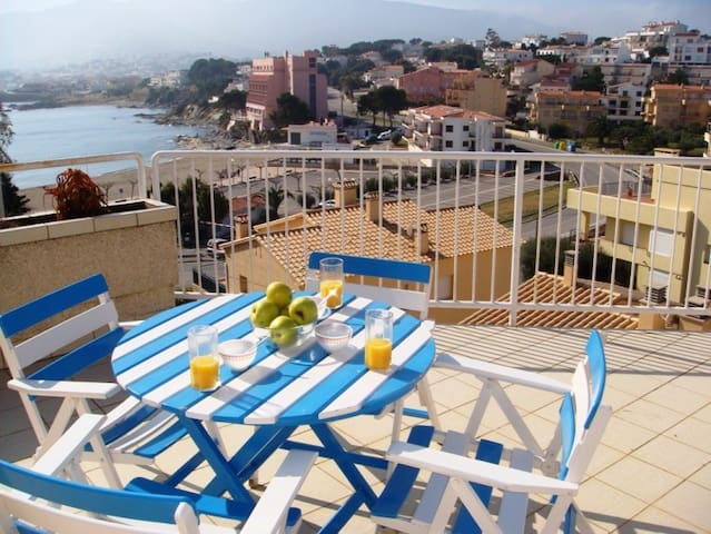 123 Apartment to rent next to the beach with a large terrace