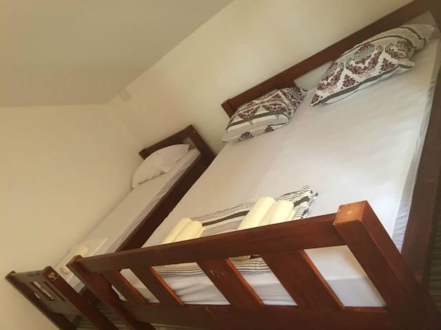 Bed in triple bedroom - stairs view - Sarajewo - Inny