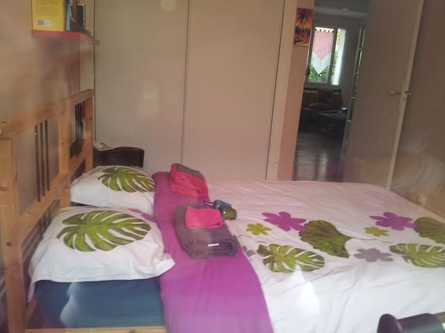 welcome in our house - Athis-Mons - Bed & Breakfast