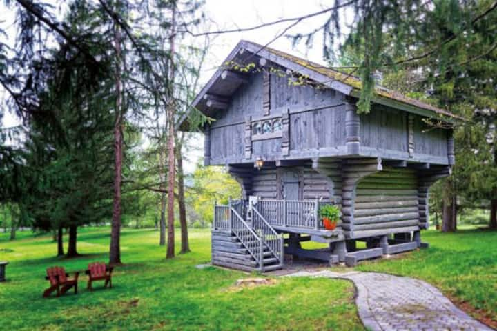 Unique Scandinavian Cabin Treehouse @ Solvang Inn