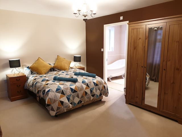 Double Room with Jack n Jill Ensuite