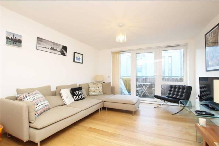 Stunning 2 bedroom flat for rent in Clapham - London - Apartment