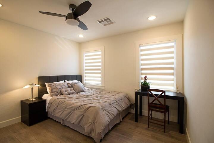 Clean & Cozy Quiet Room #A in Northern Pasadena