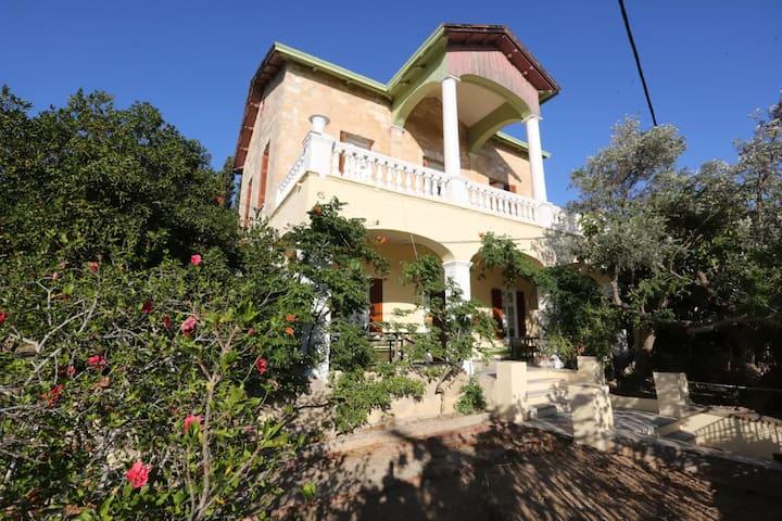 Villa Foustanou