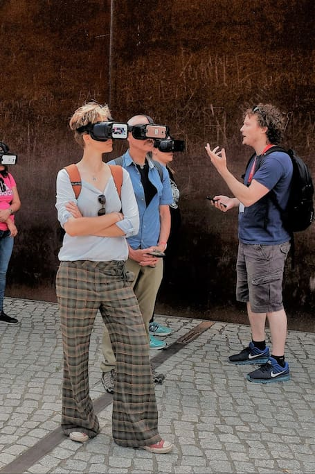 Virtual Reality at the Berlin Wall