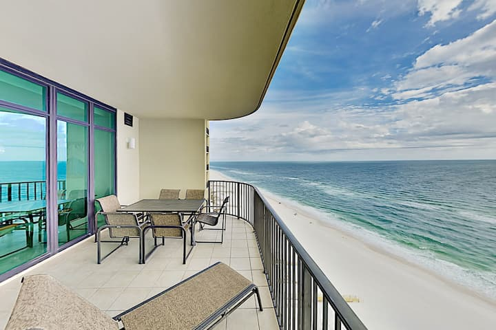 Gulf-View All-Suite Gem w/ Pools, Gym & Lazy River