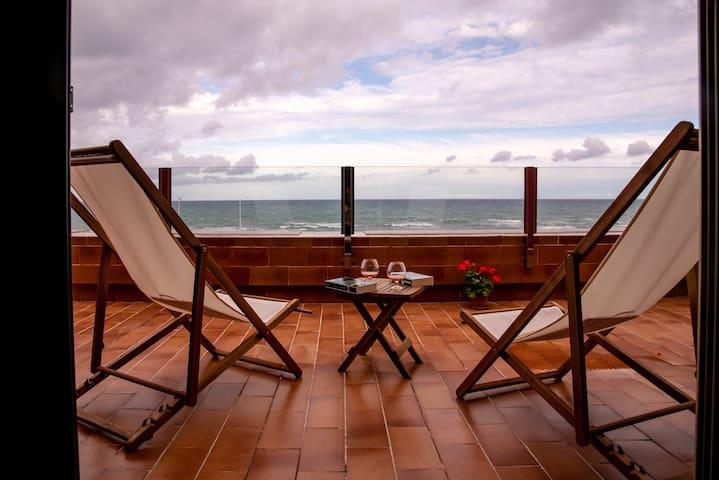 Chalet único en primera línea de playa de la Mata