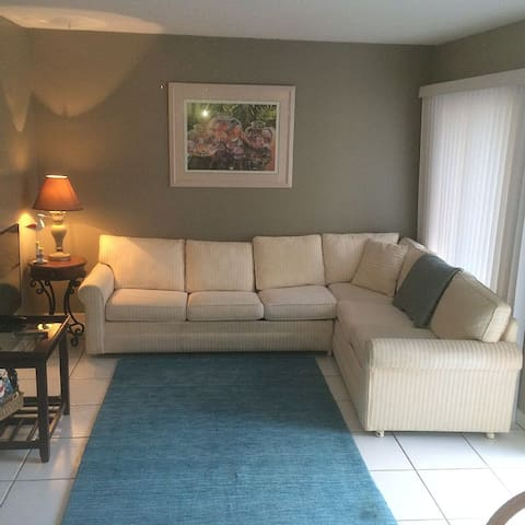 Cozy Vacation Rental - Saint Pete Beach - Apartamento