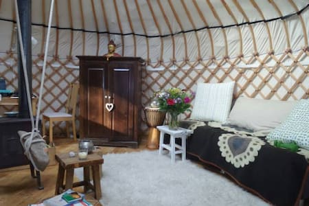 Authentieke Yurt, in de natuur | Aanbevolen! - Laag-Soeren - Yurt