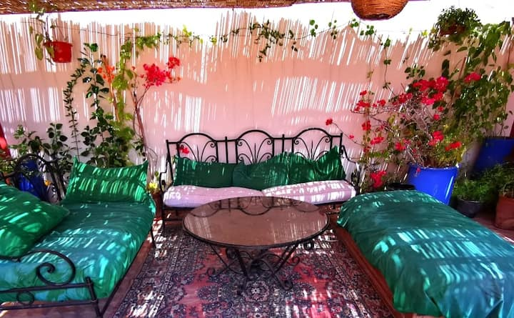 (Private room, 1 big Double bed) in Riad itry