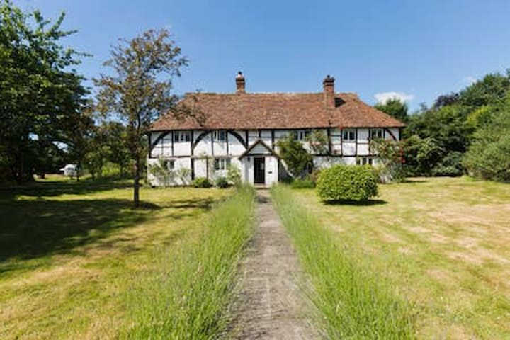 Tudor cottage with stunning views and huge garden