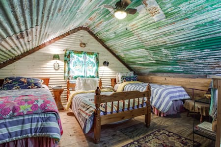 Bunkhouse @ The Farm - Wills Point - Guesthouse